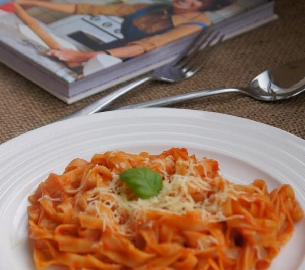 Cookit Przepis Na Makaron Z Sosem Pomidorowym Czosnkiem I